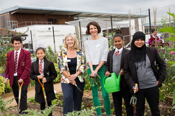 Rosie Boycott (Mayor of London Food Advisor) and Thomasina Miers (former Masterchef winner) at Phoenix High School Farm for Grow Your Own Picnic 2014. Photo: Eleonore De Bonneval/Garden Organic